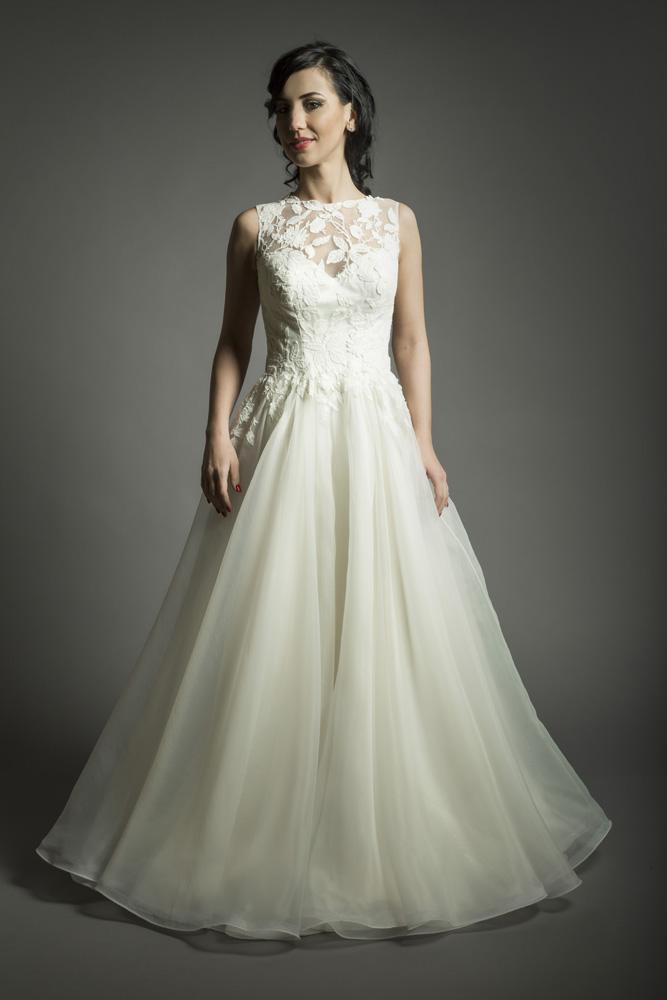 charm bride 3
